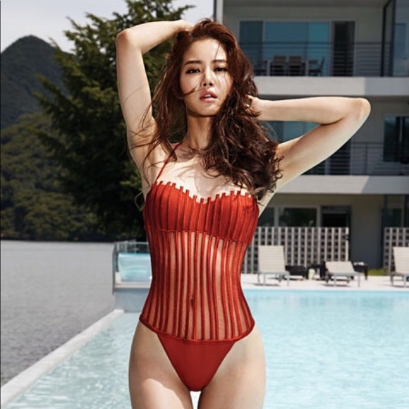 92192e1f5ba84 La Perla Swim | New White Graphique Couture Suit 6 | Poshmark